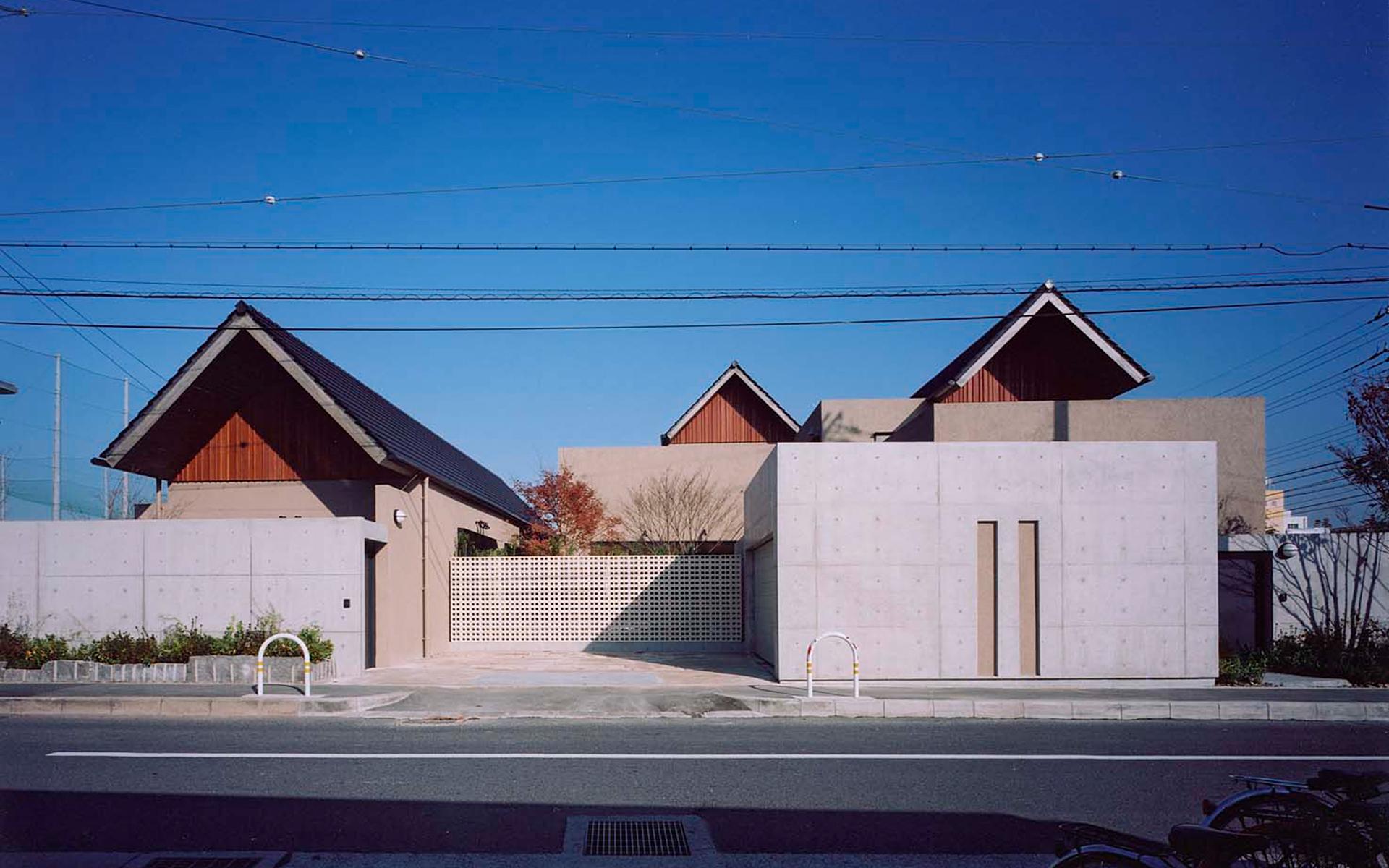 萱振町の家