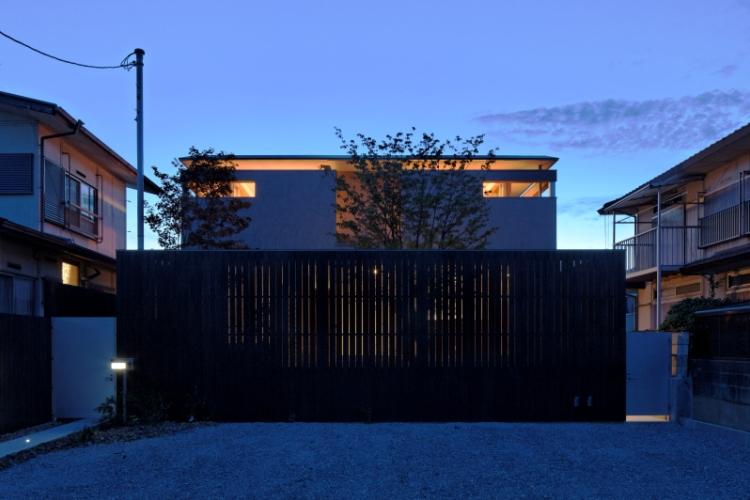 内に広がりのある家