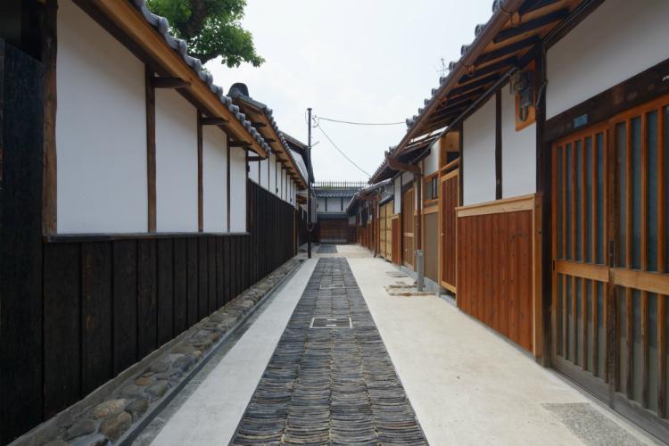 田守家の路地-05